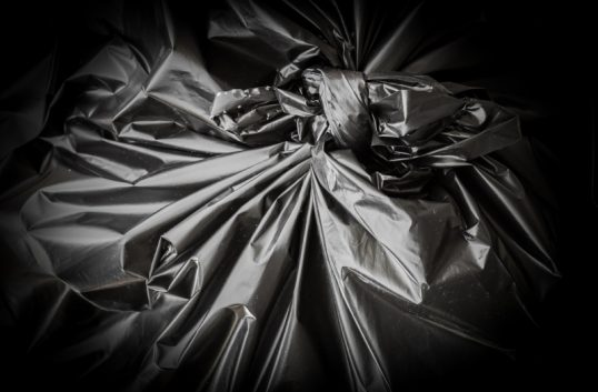 Tar bort all svart plast senast 2021