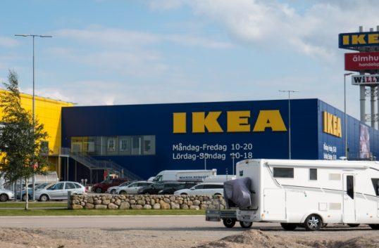 Ikea gör dukar av plast från havet