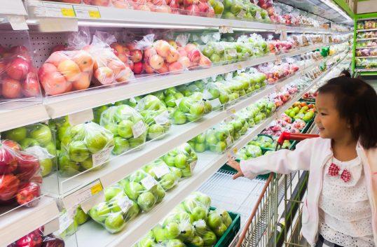 Sex av tio äter vegetariskt en gång i veckan. Svenskar klimatförnekare som äter grönt