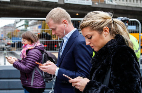 Så ofta kollar vi svenskar mobilen